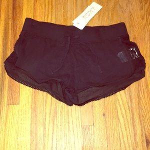 NWT Roxy crochet shorts in size small
